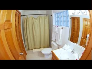 grand-baymen-bathroom-1
