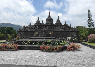 Lovina Buddhist temple